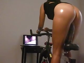 Breezy Wifey can't get enough BIG BLACK COCK