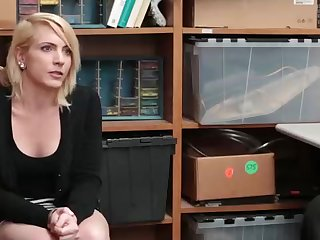 Sloppy minded blondie honey went to a job interview and concluded up banged, like never before